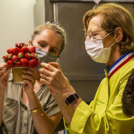 Brigitte Delanghe et Anaïs Petitio, formation Corbeilles de Fruits, IFCAS, des halles et des GOurmets, Angers, Primeurs, Primeurs Bio, corbeilles de fruits bio