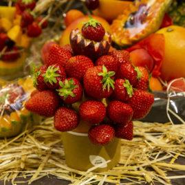 Corbeilles de fruits, IFCAS, DES HALLES ET DES GOURMETS, ANGERS, primeurs bio, bouquet de fraises