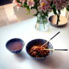 sauté de bœuf façon asiatique, bol et baguettes, sérénité