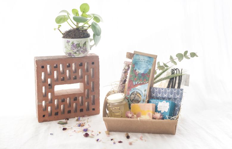 6 Coffret Fête des Mères Maison Flores Des Halles et des Gourmets, fleurs, cadeau, offrir, idée cadeau