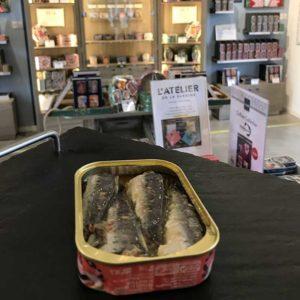 sardines millésimées la perle des dieux dans la boutique de saint gilles croix de vie